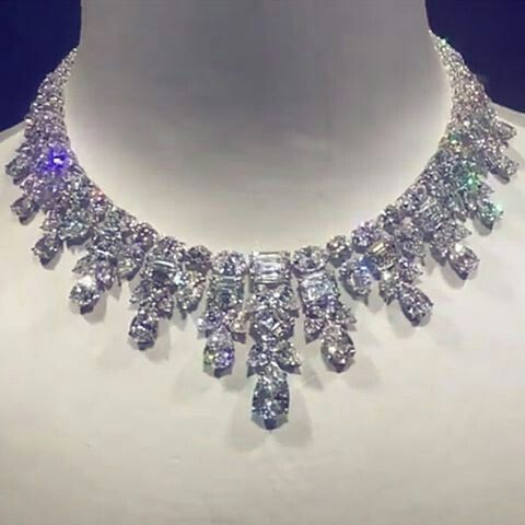 Luxurious Jewel Marvellous Diamond Necklace Unforgettable Jewel Unbelievable Beauty So Precious So El Royal Jewelry Brighton Jewelry Beautiful Necklaces