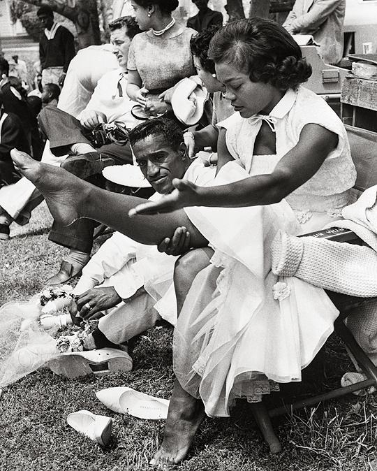 Eartha Kitt and Sammy Davis, Jr. on the set of Anna Lucasta, 1958.
