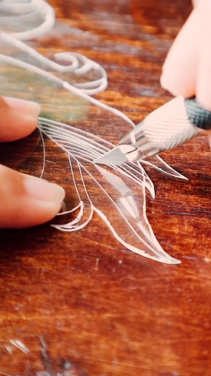 DIY beautiful Shrinky Dinks graceful feather earrings. Do you take interested in this craft? Welcome to join our new contest- Shrink Art   Contest.#shrinkydinks #earrings #diy #shrinkartcontest #Dearlives #plasticbottleart