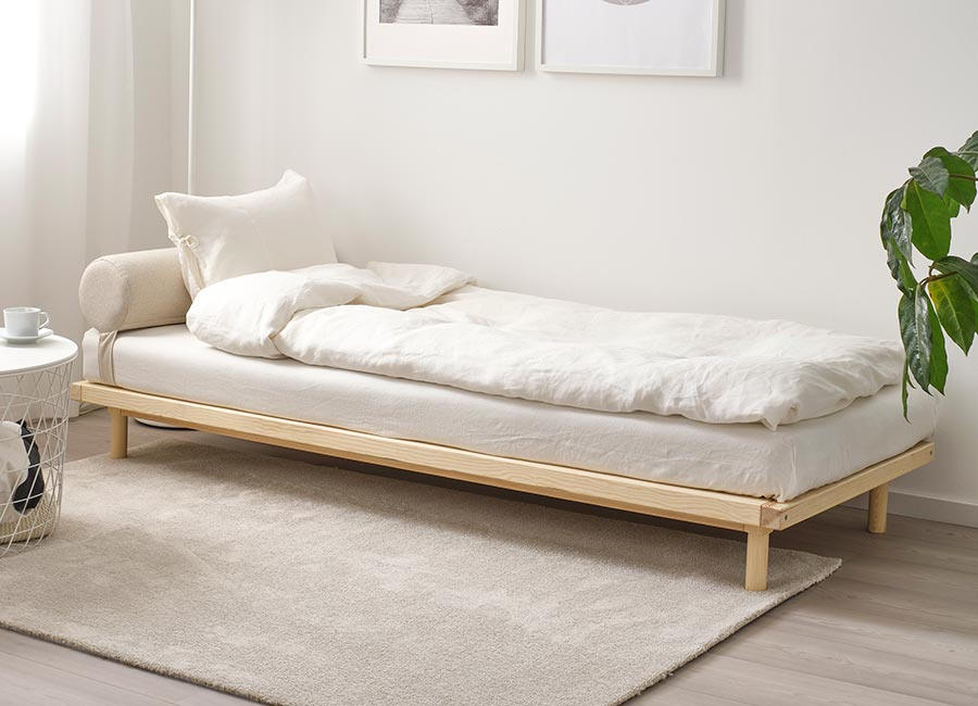 High/Low: A Trio of Scandinavian-Style Modern Daybeds – Remodelista