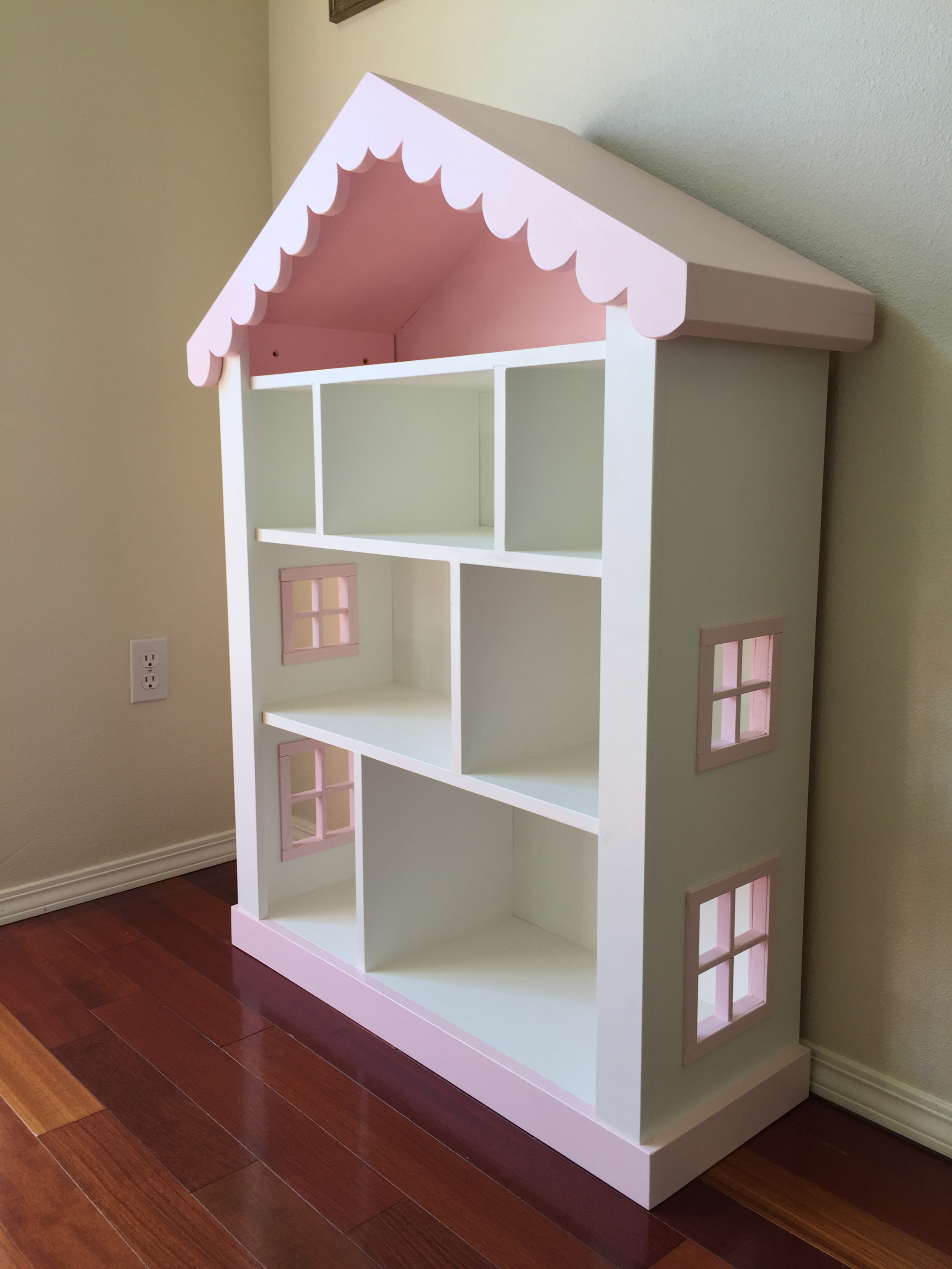 Dollhouse Bookcase Check it out! Dollhouse bookcase