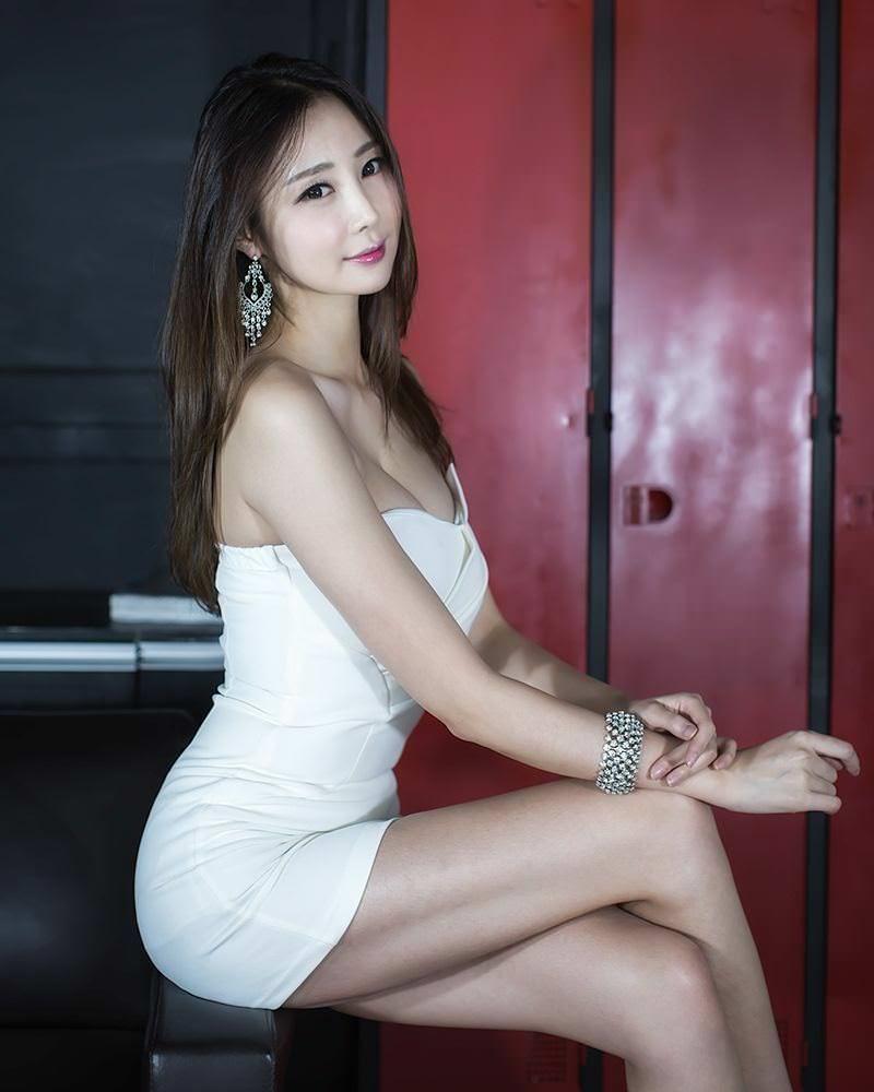 Teen Asian Gallery