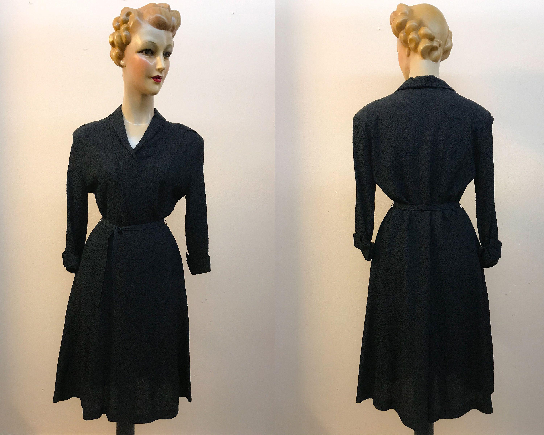 1940s Black Crepe Diamond Relief Pattern Dress Size M L Etsy Dresses Dress Patterns 1940s Dresses [ 2402 x 3000 Pixel ]
