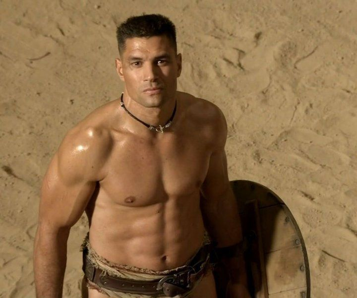 true story of spartacus and crixus