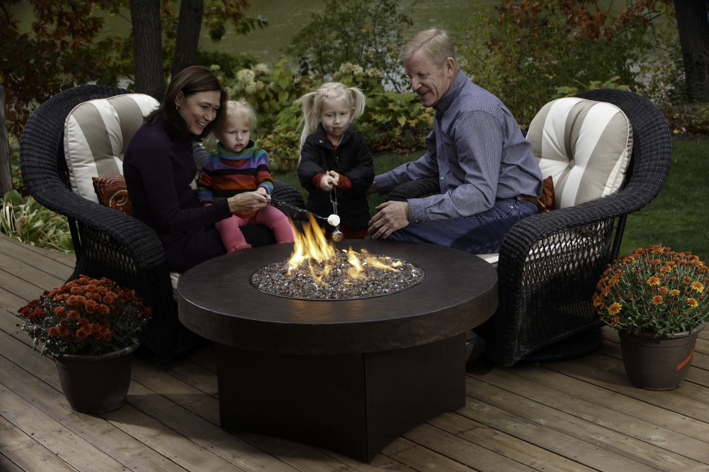 Oriflamme Gas Fire Pit With Savannah Stone Table Top