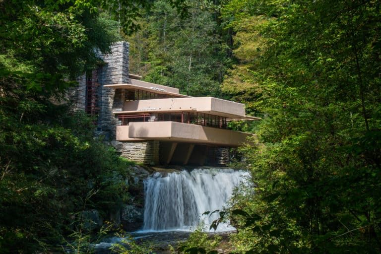 Visiting Frank Lloyd Wright S Masterpiece Fallingwater Falling