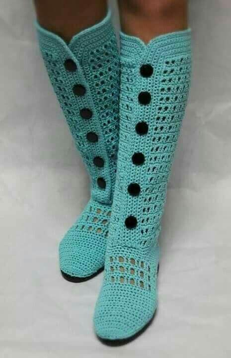 Botas tejidas en crochet con botones... me encantan!!! | crochet ...