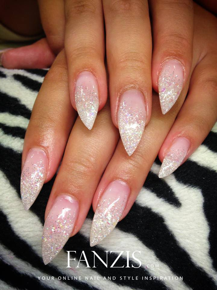 Nails By Justnailit Lulea Nailart Nails Amazing Beautiful White Glitter Stiletto Nails Glitter Nails Silver Nails