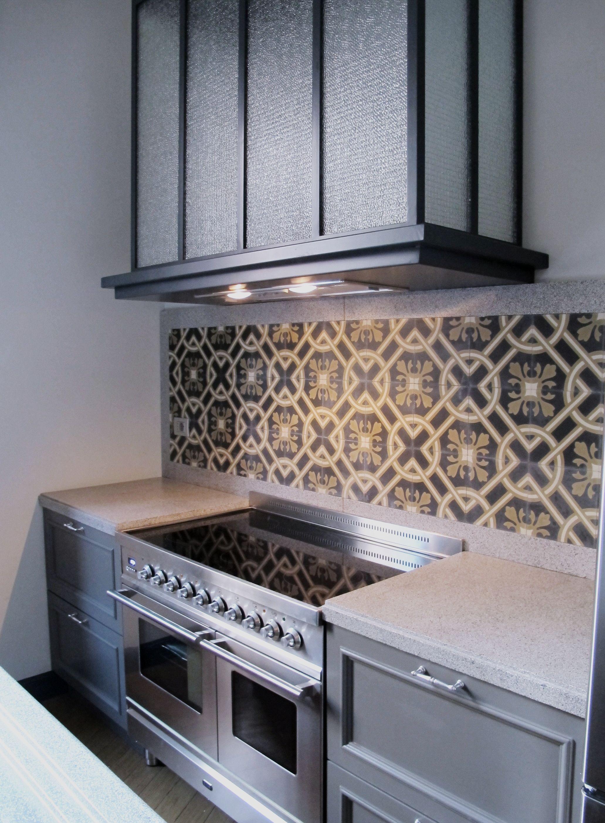 Cementine e graniglia di cemento tile pinterest for Piastrelle cucina fantasia