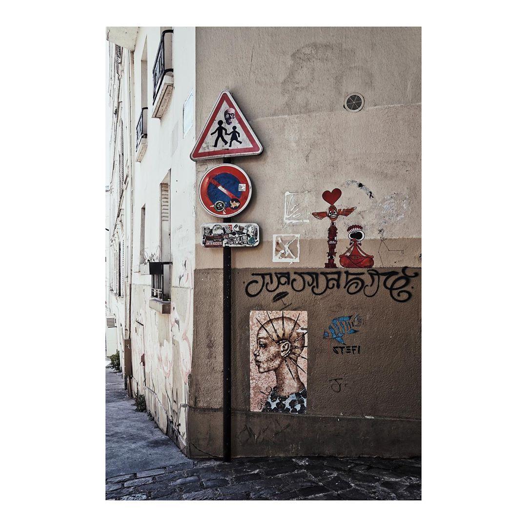 Signs! • • • • • #instastreetart #streetart #art #streetphoto #streetphotography #streetphotographer #parisfrance #parisjetaime #love #citta #parigi #streets #signs #sonyalpha #sony #camera #summer2019 #summer #vacation #vacationmode  07.04.19