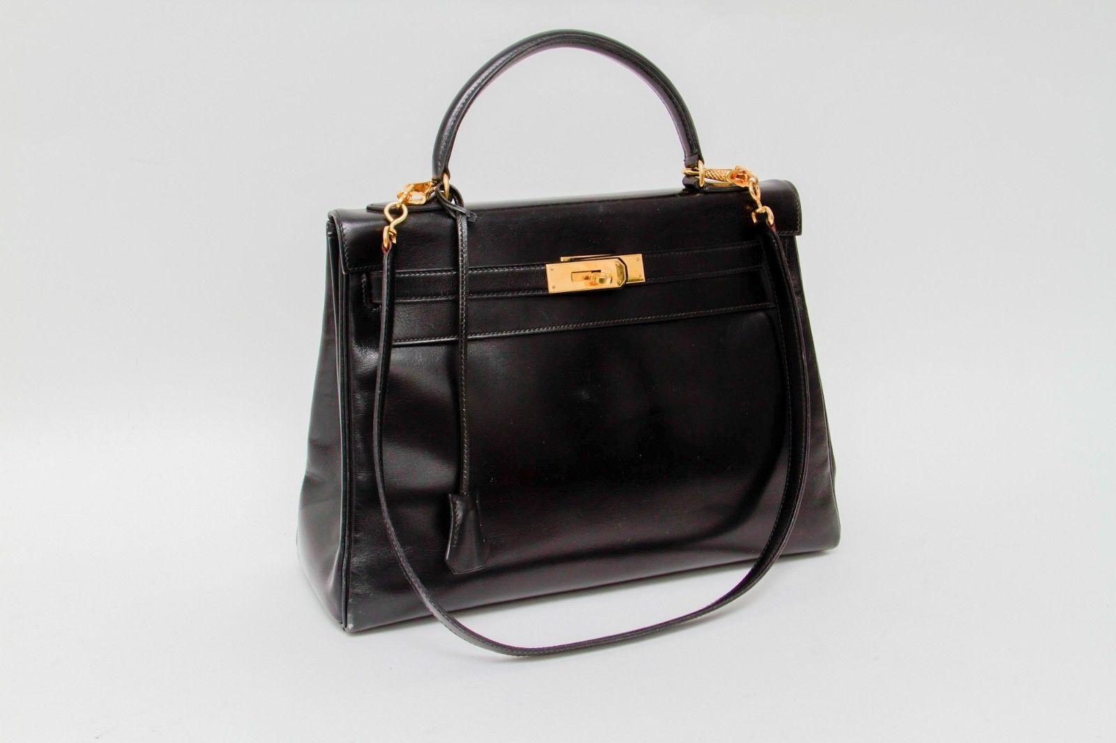 #Trending - HERMES VTG Kelly 32 Black Gold Tonal Leather Flap Shoulder Handle Bag Medium http://ift.tt/2kfCTVg https://t.co/rDvbzFZLWt