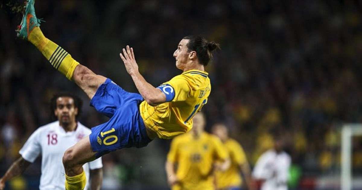 Pin By Nithin Ajaikumar On Football Bicycle Kick Zlatan Ibrahimovic Kicks