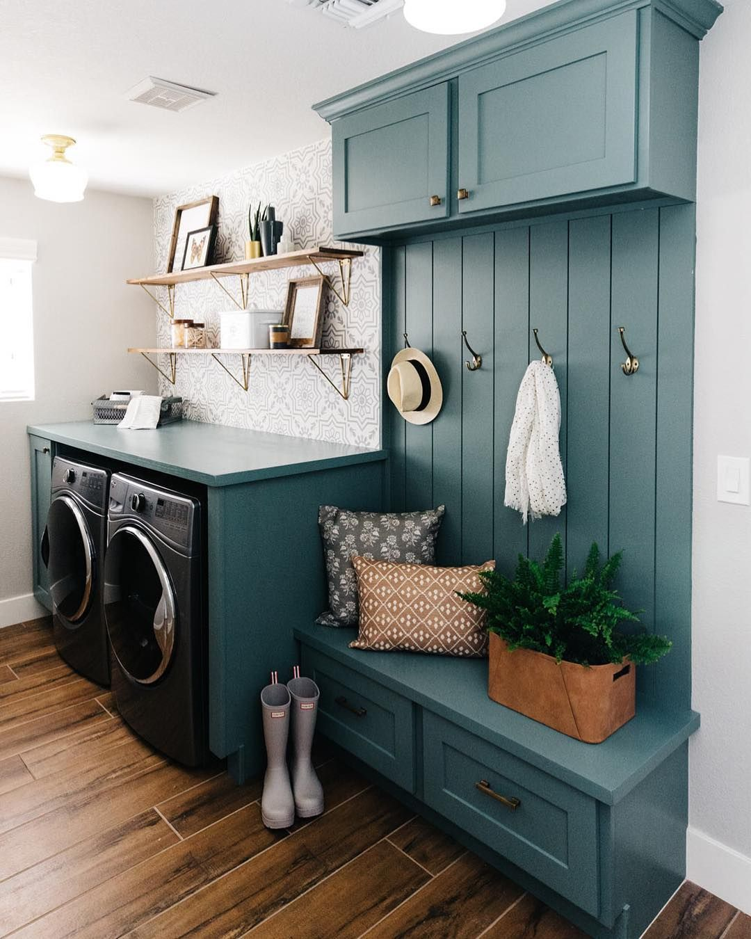 paint color studio blue green sherwin williams gorgeous on paint for laundry room floor ideas images id=31979