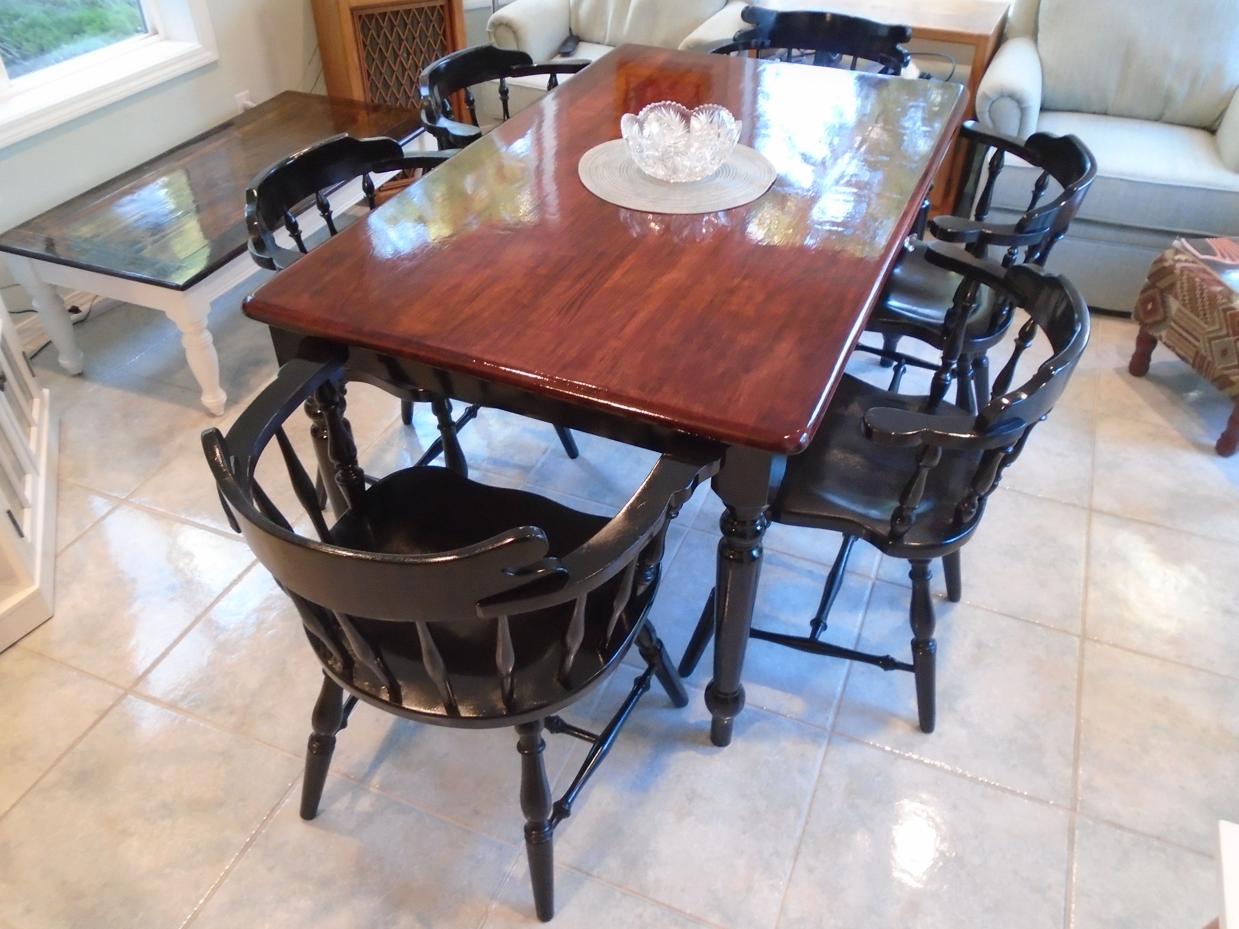 Rustic Farmhouse Table Brown Stained Top Black Painted Legs 6 Black Windsor Chairs Dining Room Table Makeover Rustic Farmhouse Table Kitchen Table Makeover