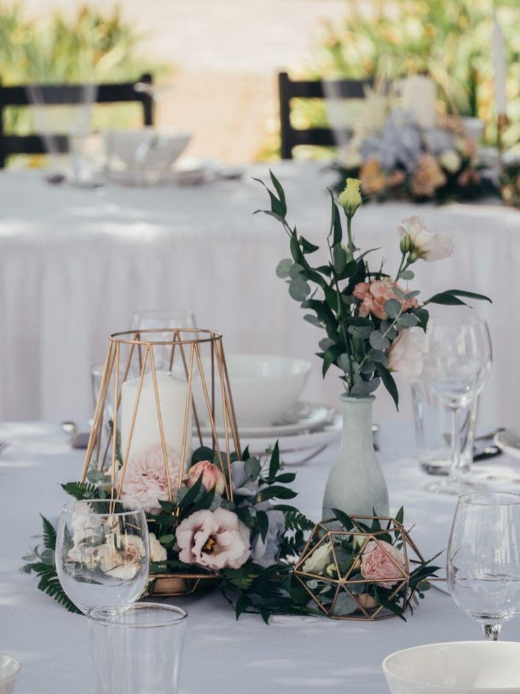 Hochzeits-Tischdeko: 40 wunderschöne Ideen für runde Tische
