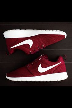 5ea78307af4f Nike ROSHE RUN Rosherun Burgundy Team Red Sail Maroon Yeezy 511881 ...