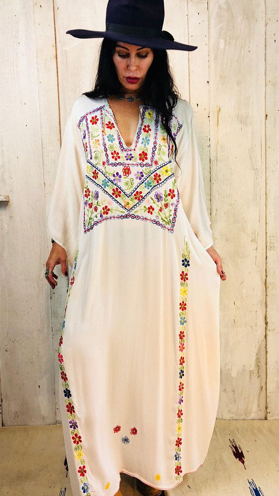 9d061b05cf3 Vintage Indian Embroidered Kaftan Dress  Indian White Rayon Caftan    Bohemian Indian Embroidered Dre