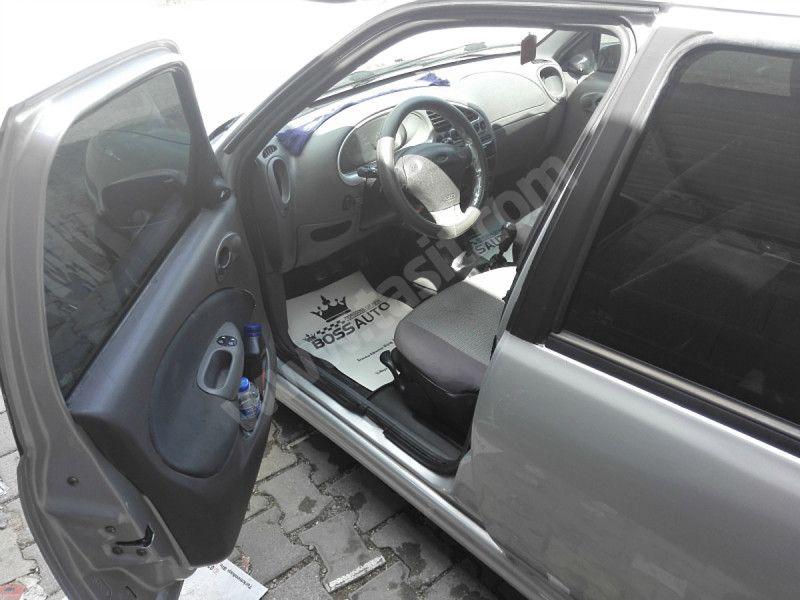 Ford Fiesta 1.25 Ghia Ford Fiesta 2000 model LPG li yakıt cimrisi sahibinden satılık