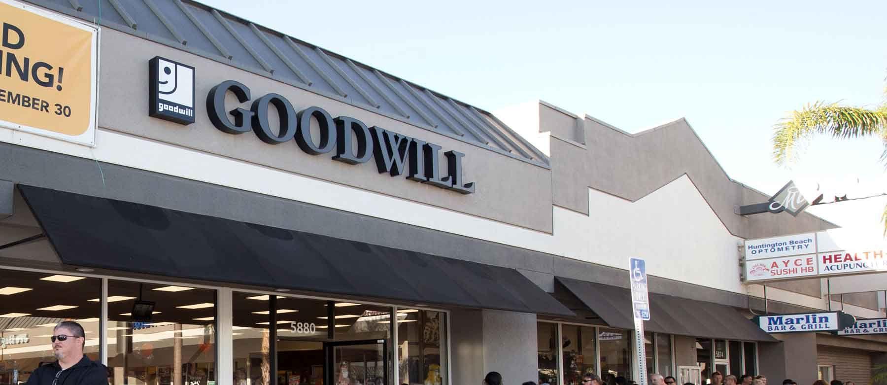 Goodwill Store Front Goodwill Store Goodwill Auction Goodwill Shopping