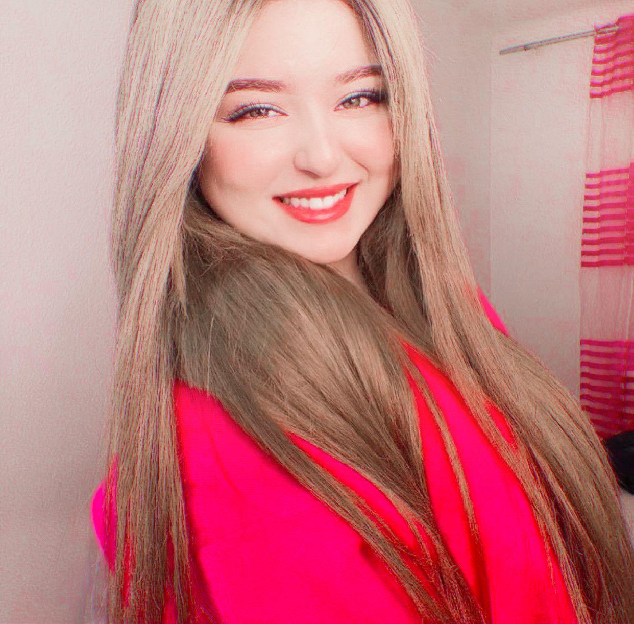 Pin By Hhgfgy On K Ash Blonde Balayage Pretty Blonde Girls Aesthetic Hair