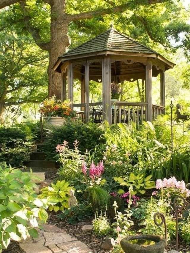 Ort für Entspannung im Garten-Holzpavillon-romantische Wege ...