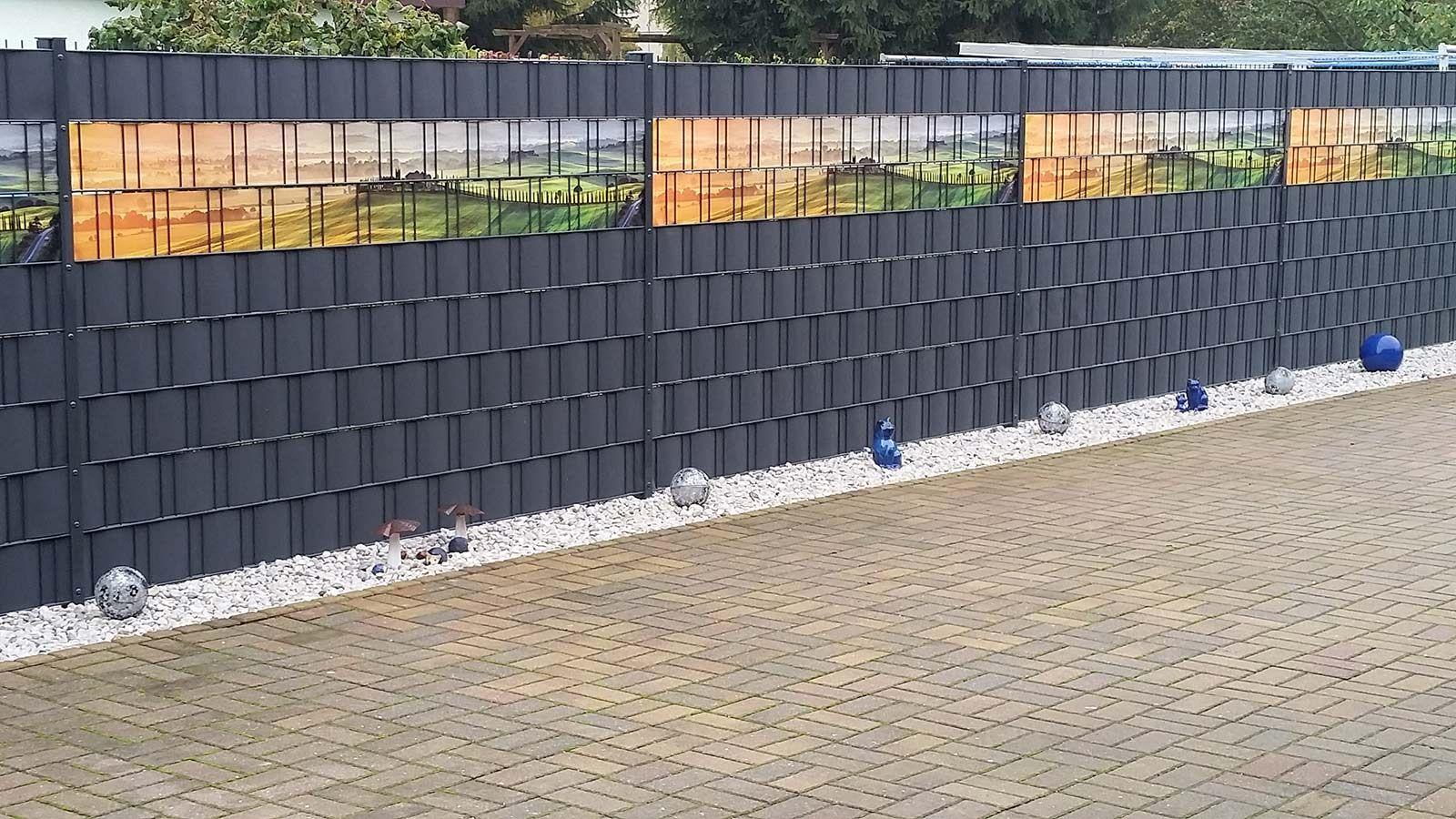 Ein Schoner Sichtschutzzaun Aus Individuell Bedruckten Sichtschutzstreifen Zaun Sichtschutzzaun Doppelstabmattenzaun