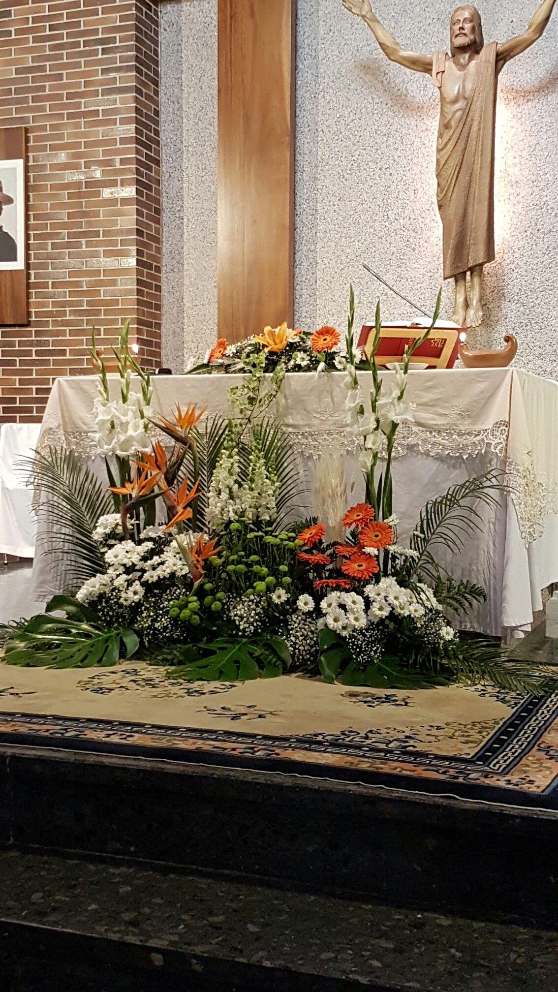 Decoración de altar church flowers pinterest church flowers