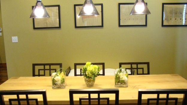 Extreme Makeover Home EDITION - Família Cowan, - sala de jantar, em Extreme Makeover Home Edition, domingo, 10 de janeiro sobre a rede de televisão ABC.