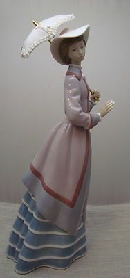 Lovely Lladro Parisian Lady W Parasol Or Umbrella 10 5 Figurine