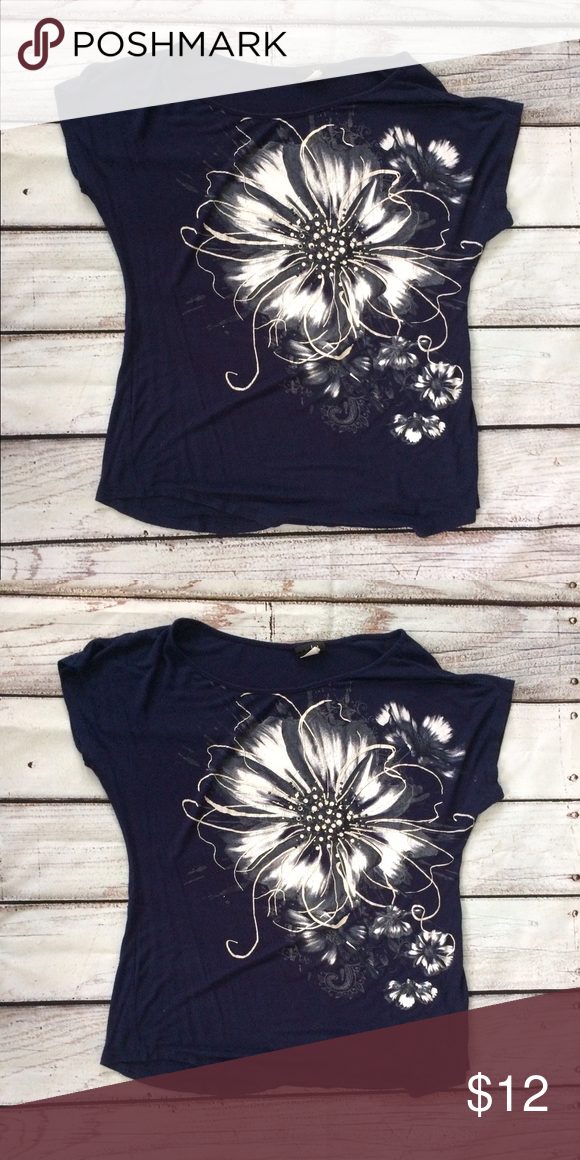 Dark blue top Large size dark blue top with cute flower outline. Tops  Blouses f7e152fb7cc2