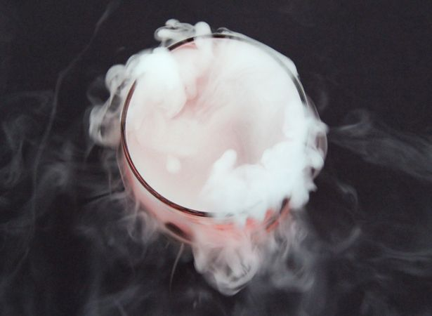 How to Use Dry Ice in Halloween Cocktails | Hallowen ...