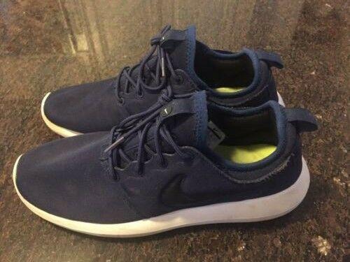 13cbd4ad67c5 Nike Roshe Navy Black White Men s Size 9.5 Preowned  fashion  clothing   shoes