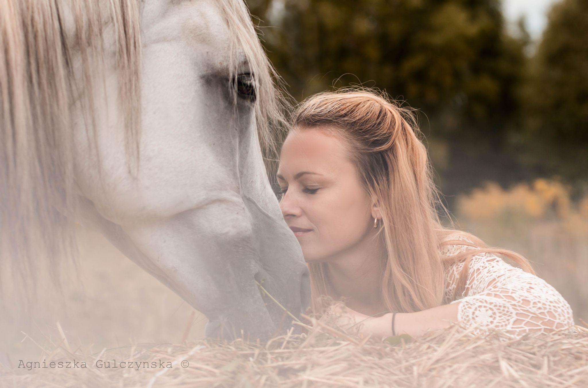happiness does have a smell by Agnieszka Gulczyńska on 500px
