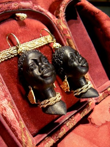 A Pair of blackamoors earrings, big heads! Mounted in yellow gold 18 kt - Dogale Jewellery Venezia Italia