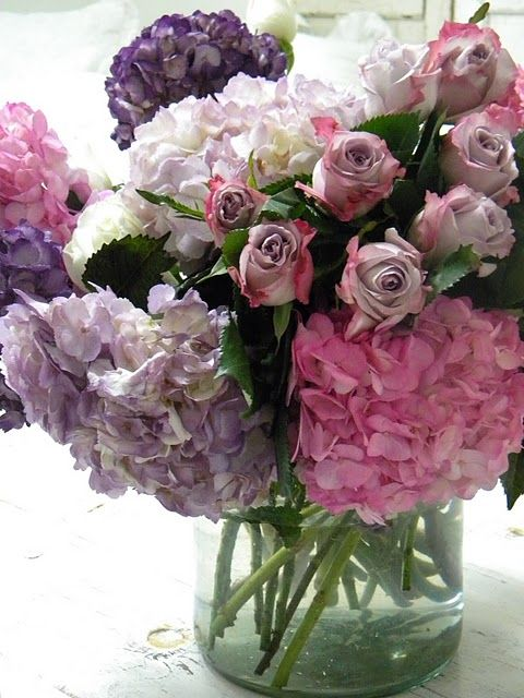 Hydrangea and roses. Gorgeous.