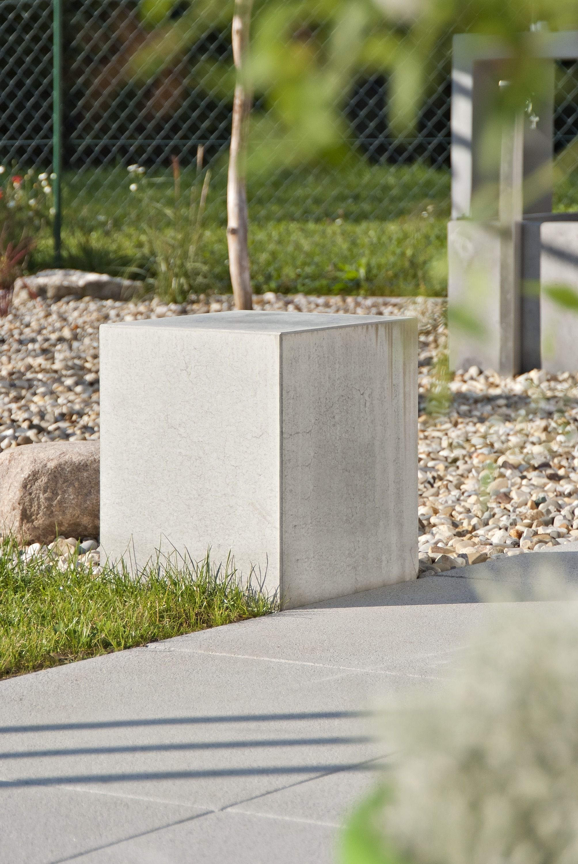 Gehwegplatten Fur Ansprechende Gartenwege Terrassenplatten Gehwegplatten Steine