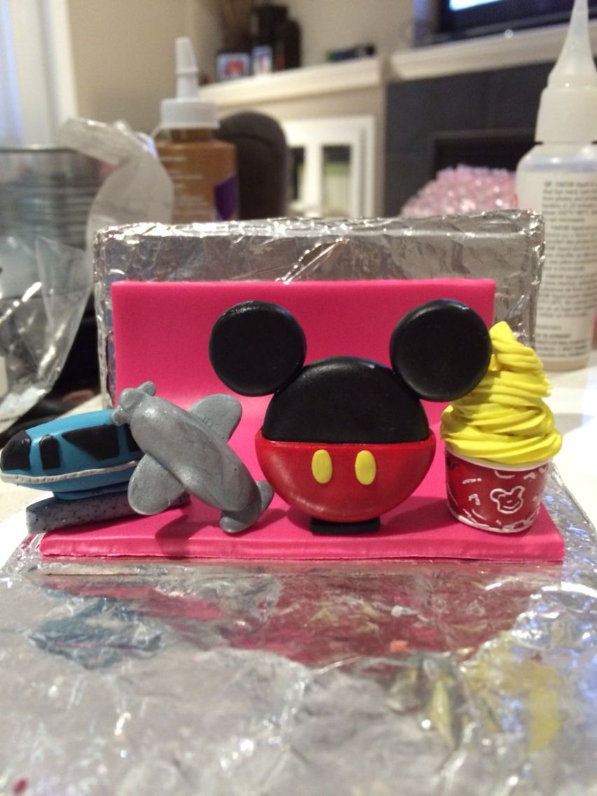 Business card holder for a Disney lover | polymer clay | Pinterest ...