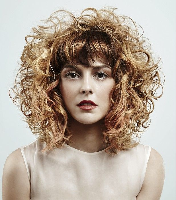 Mob Salons - hate the straight bangs, but otherwise gorg | Curly Mid ...