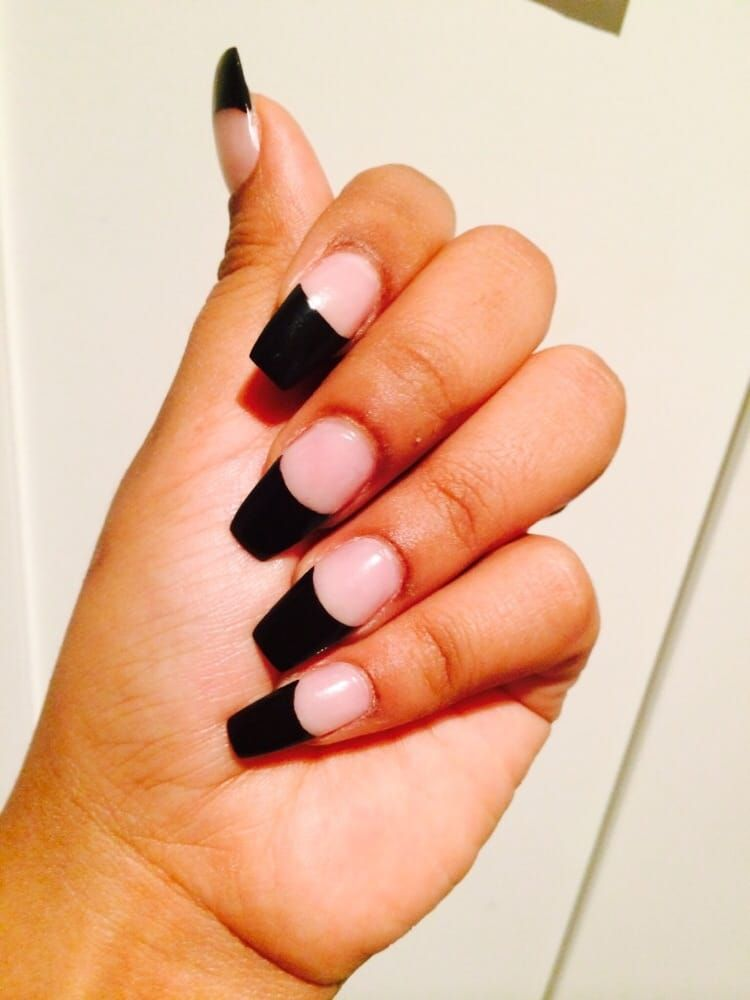 Acrylic Nails With Black Tip Coffin Shaped Done By Lee She S Great Coffin Shape Nails French Tip Nails Colored Nail Tips