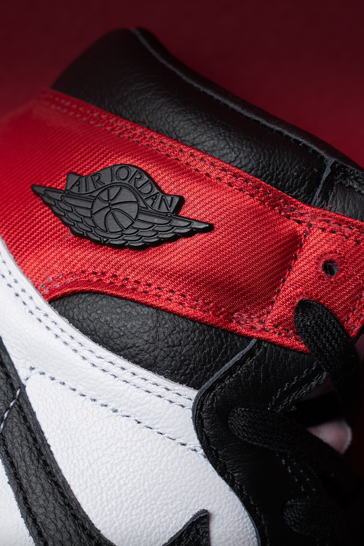 Nike Wmns Air Jordan 1 High Og Satin Black Toe Cd0461 016 2019 Air Jordans Air Jordans Retro Jordans