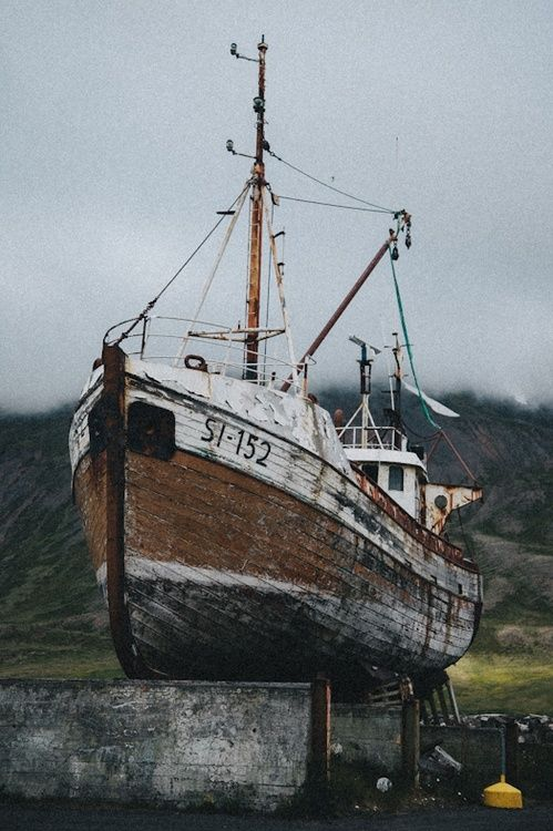 Old Fishing Boat With Images Boat Fishing Boats
