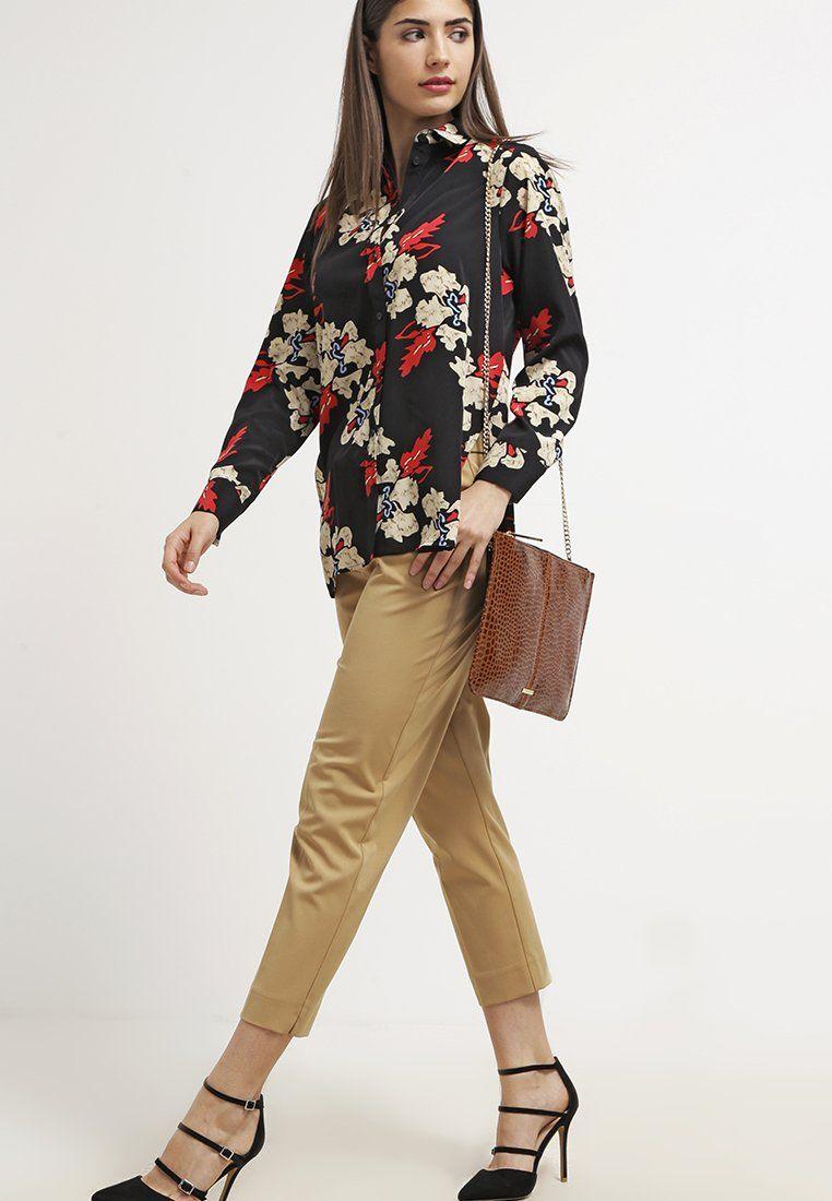 Die passende Hose für deinen klassischen Look. Topshop Stoffhose - camel für 54,95 € (04.03.16) versandkostenfrei bei Zalando bestellen.