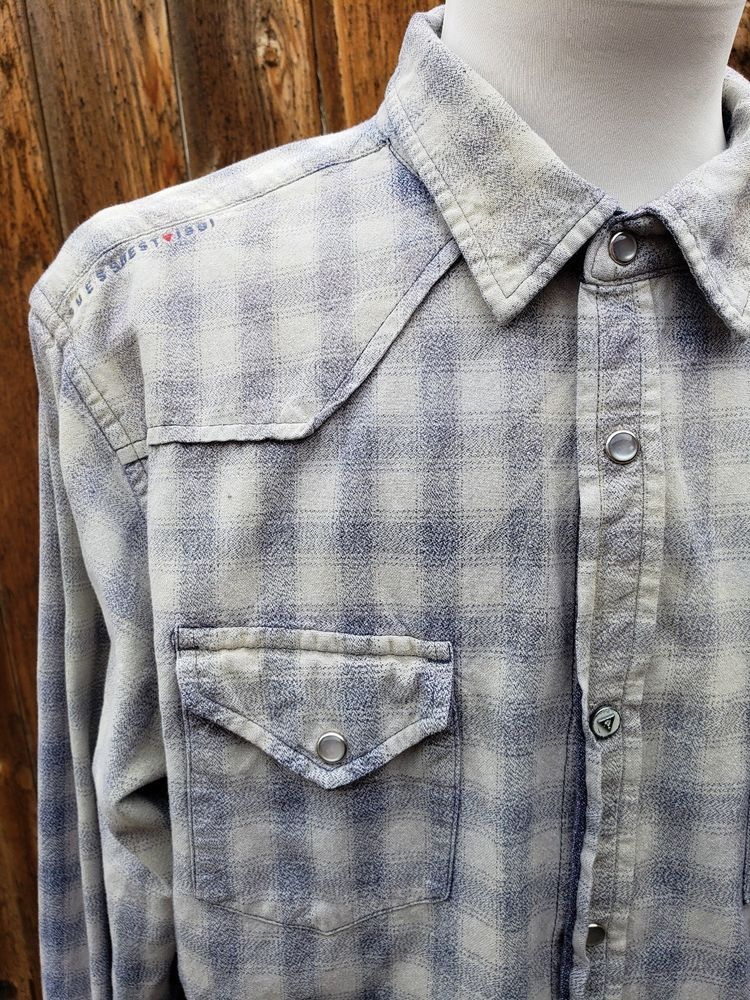 17bfe831d7b Guess 1981 Men s Sz XL Western Pearl Snap Shirt Blue Gray Shadow Plaid Dip  Dyed  GUESS  Western