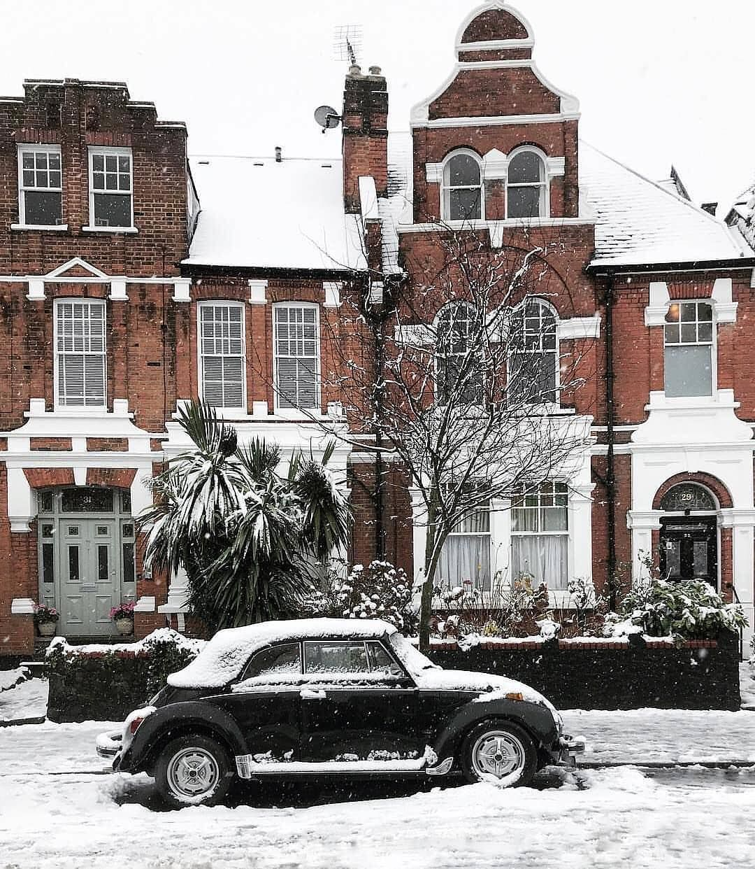 Pin By Gift Crouch End On Crouch End 3 London Architecture Architecture Rustic Winter