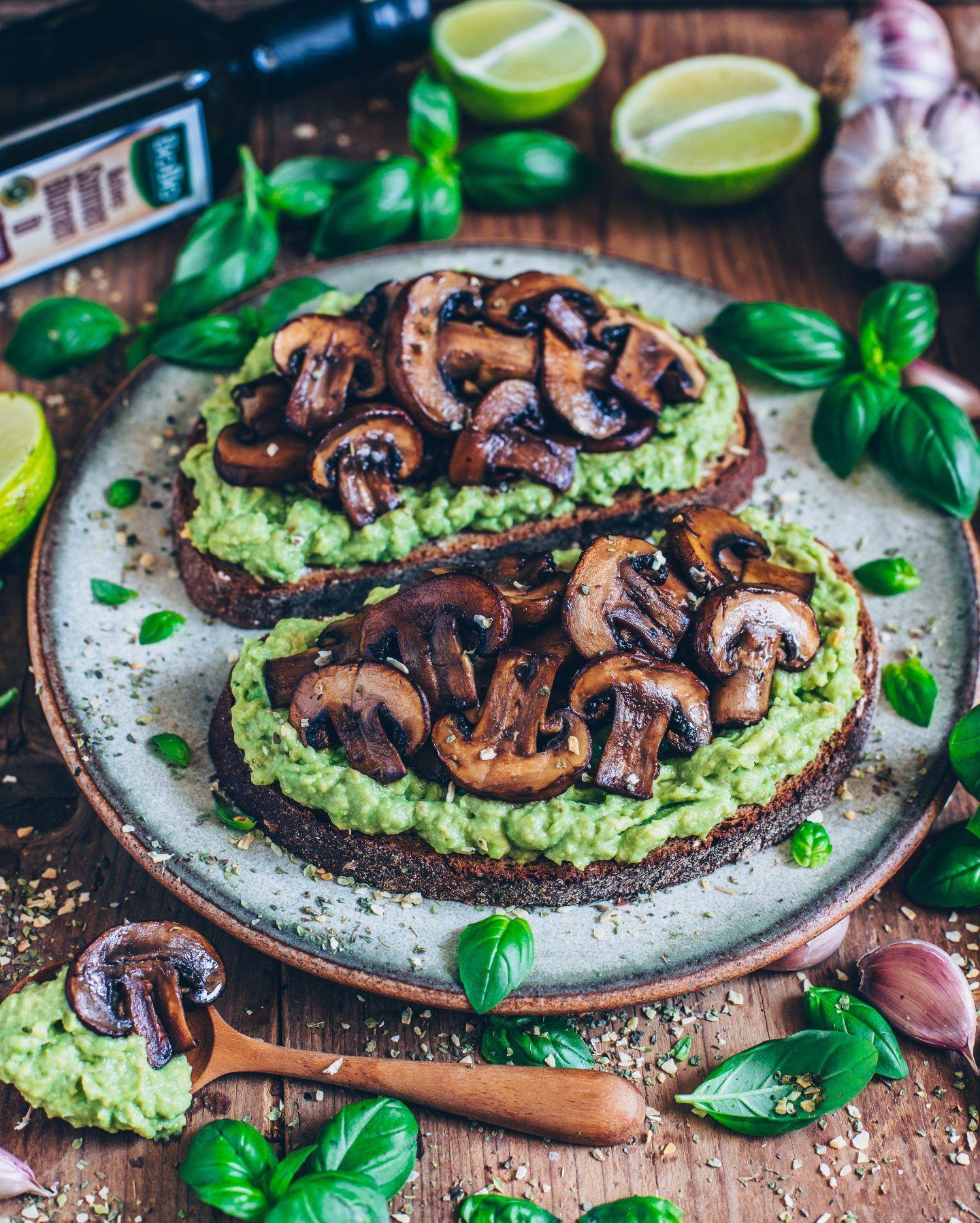 Photo of Avocado Toast mit Knoblauch-Pilzen – Bianca Zapatka | Rezepte