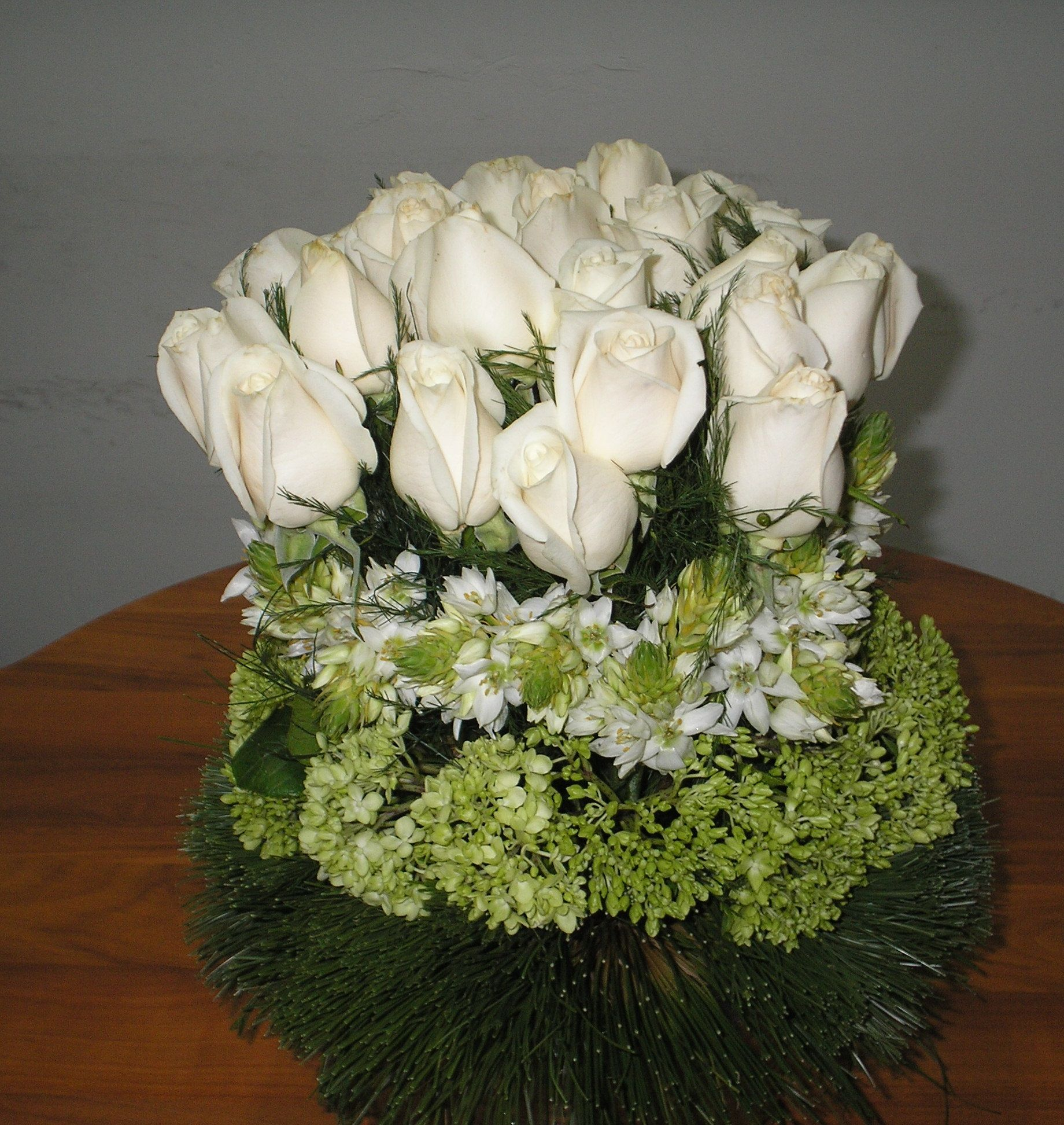 Centro De Mesas En Rosas Estrellas De Belen Hortencias Y  ~ Bolas Para Decorar Centros De Mesa