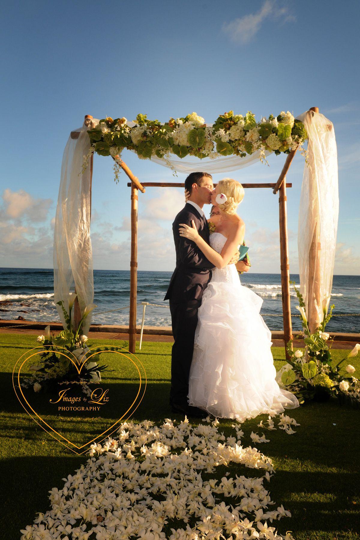 A Beautiful Kiss At The Beach House Kauai