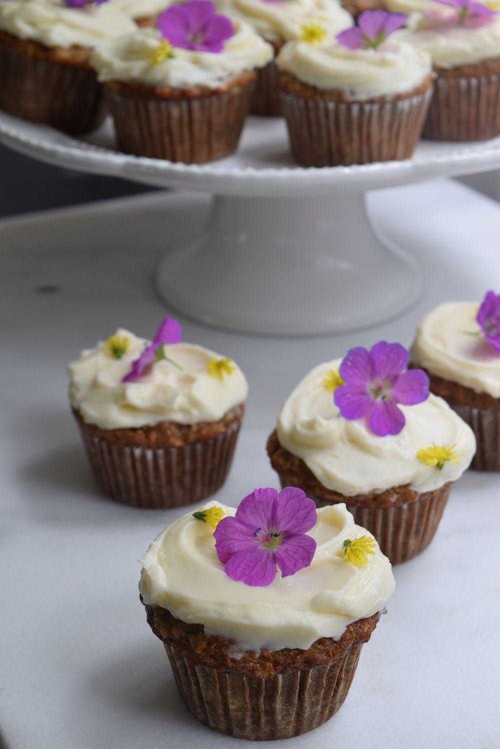 Hummingbird Cupcakes + Mascapone Frosting Hummingbird