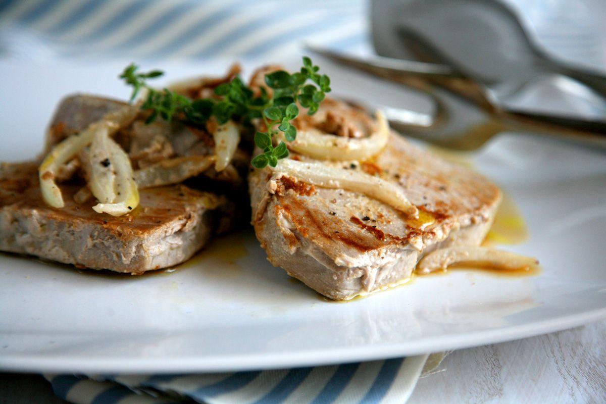Filetto Di Tonno Marinato In Padella Ricetta Veloce Semplice E Leggera Ricetta Ricette Idee Alimentari Tonno