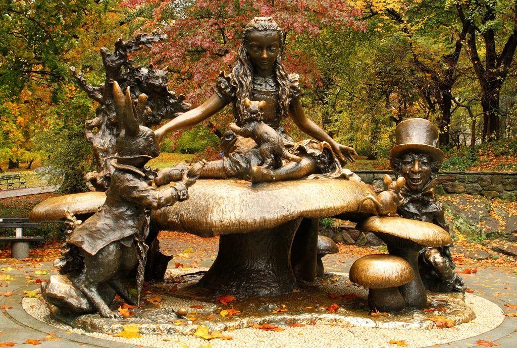 Alice In Wonderland Display In Centra Park Img 0694a Alice In Wonderland New York Must See Central Park